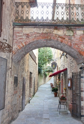Leuk stad Massa Marittima nabij Toscaanse kust