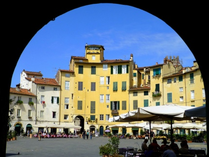 Lucca Amfitheater