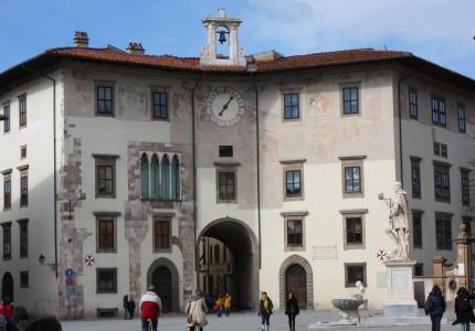 Pisa: in de schaduw van de Toren